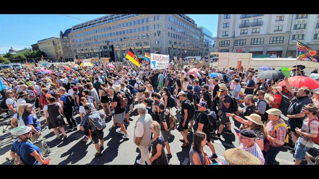 Corona Demo Berlin Was diese Menschen auf die Strase zieht 1024x576 - Images by News