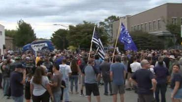 Jefferson-Park-39Back-the-Blue39-rally-draws-hundreds-of-supporters-counter-protest